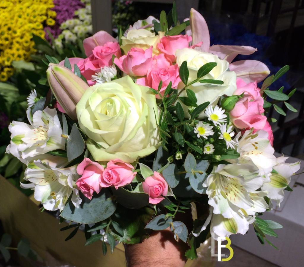 bouquet original laurentb fleuriste bouquet mari e 3. Black Bedroom Furniture Sets. Home Design Ideas