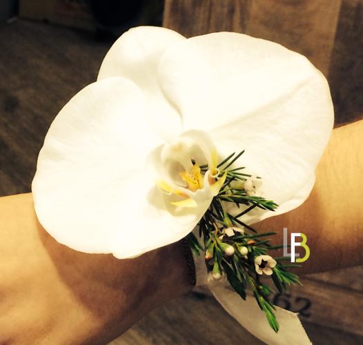 Bouquet de mariée blanc minimal